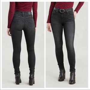 Black Levi's 721 High Rise Skinny Jeans size 31